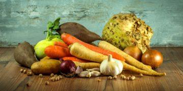 Vollwertige Ernährung ist insbesondere für ältere Menschen sehr wichtig.